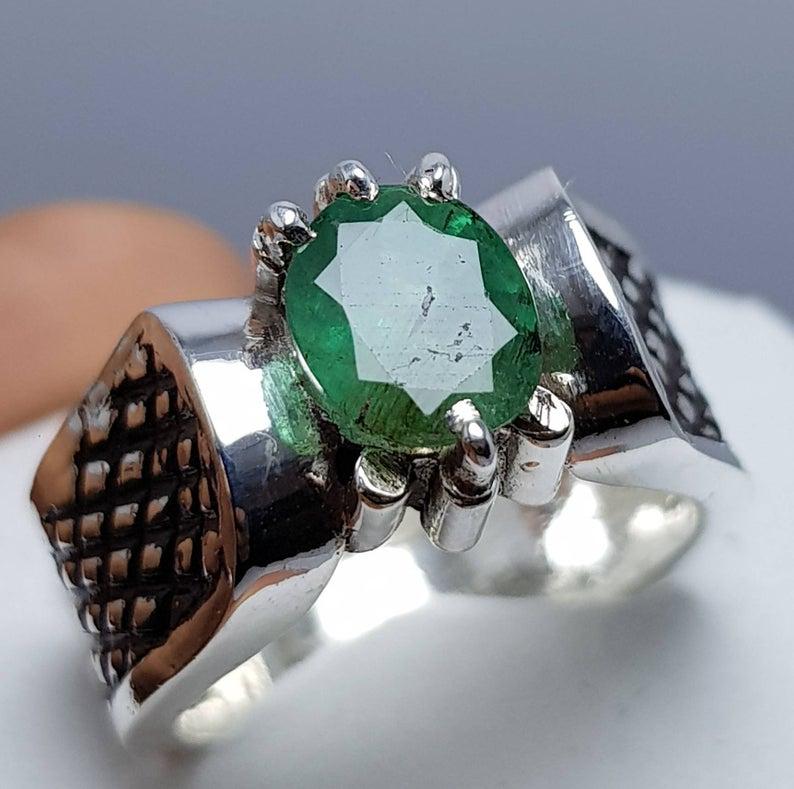 Oval Cut Vivid Green Mens Zambian Emerald Ring Rw084 Ringswear